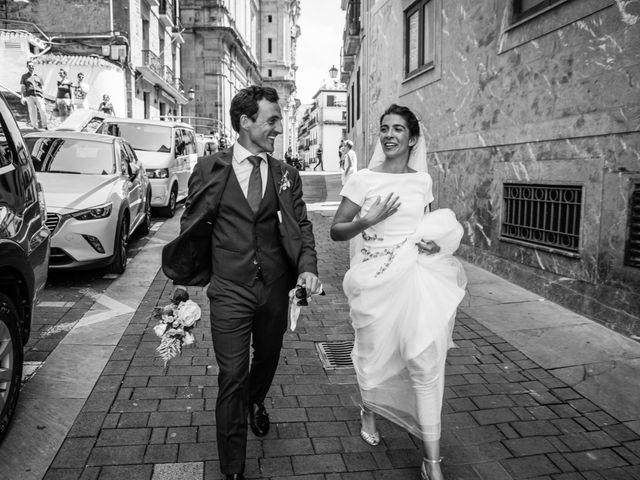 La boda de Ana y Joxe en Hondarribia, Guipúzcoa 1