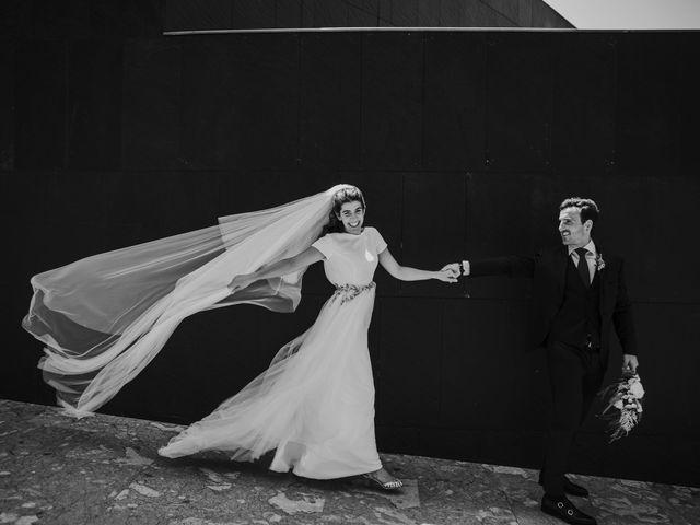 La boda de Ana y Joxe en Hondarribia, Guipúzcoa 38
