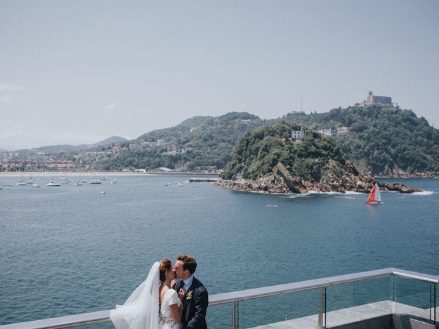 La boda de Ana y Joxe en Hondarribia, Guipúzcoa 42