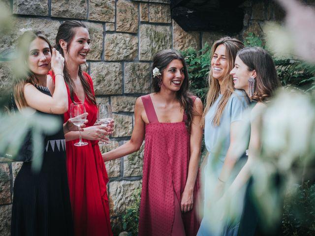 La boda de Ana y Joxe en Hondarribia, Guipúzcoa 52