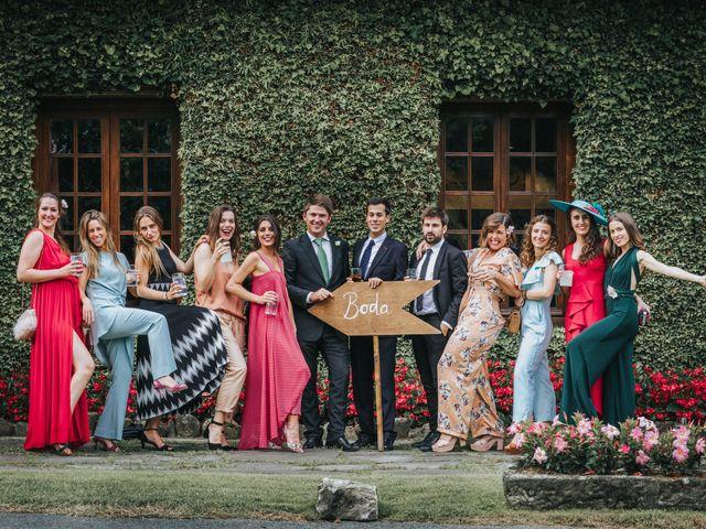 La boda de Ana y Joxe en Hondarribia, Guipúzcoa 54