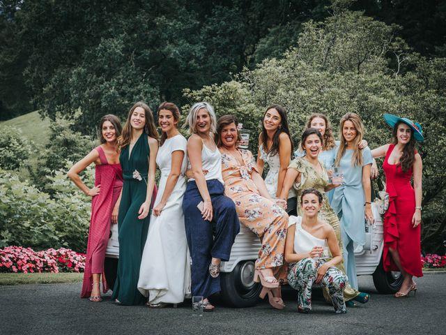 La boda de Ana y Joxe en Hondarribia, Guipúzcoa 55