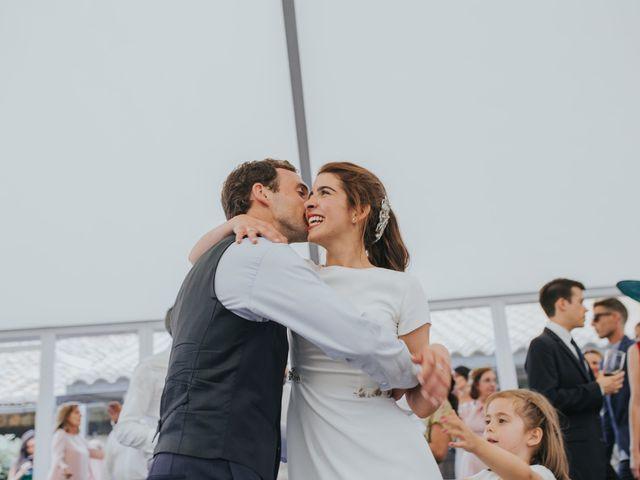 La boda de Ana y Joxe en Hondarribia, Guipúzcoa 61