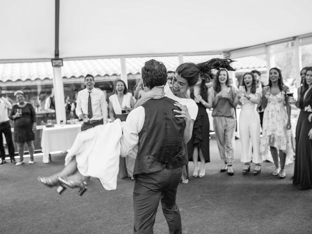 La boda de Ana y Joxe en Hondarribia, Guipúzcoa 62