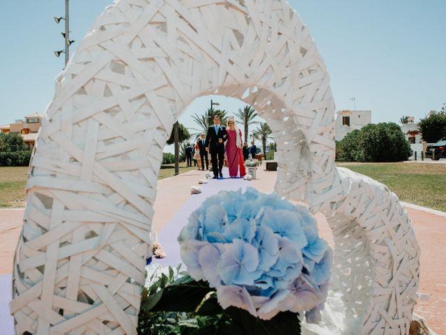 La boda de Francisco y Luisa en Aguadulce, Almería 39