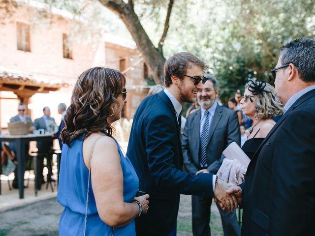 La boda de Ruben y Beatriz en León, León 57