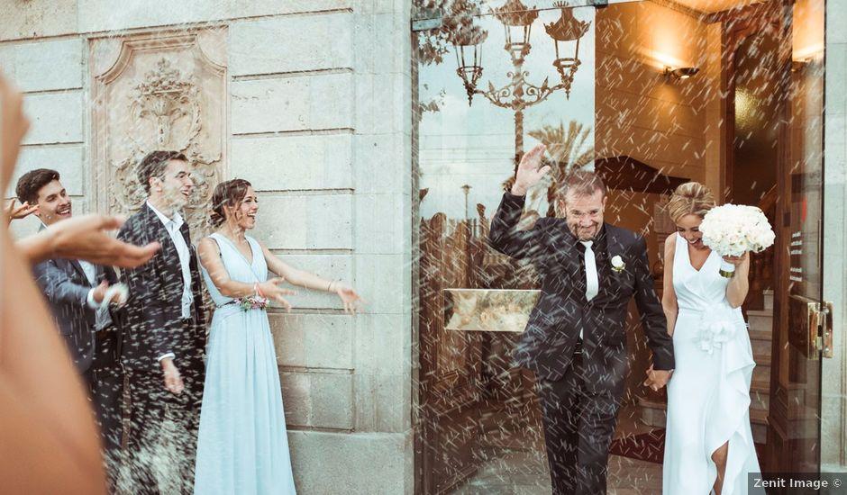 La boda de Simón y Marga en El Masnou, Barcelona