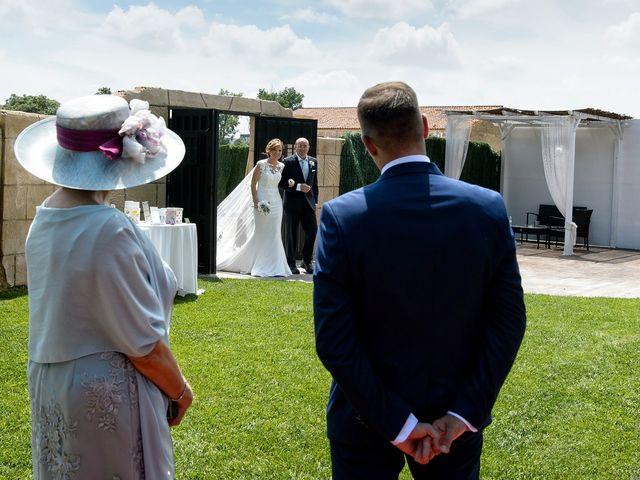 La boda de QUIQUE y RAQUEL en Zaragoza, Zaragoza 40