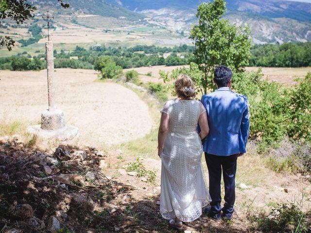 La boda de Kike y Patricia en Las Vilas Del Turbon, Huesca 49