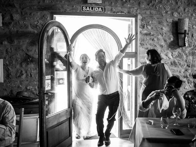 La boda de Kike y Patricia en Las Vilas Del Turbon, Huesca 54