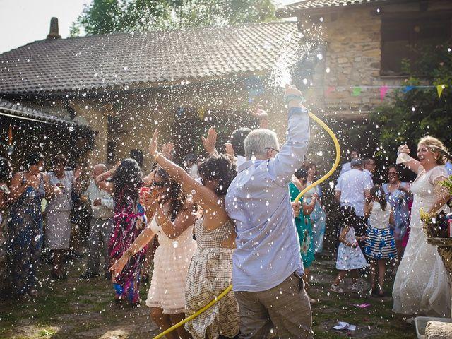 La boda de Kike y Patricia en Las Vilas Del Turbon, Huesca 58