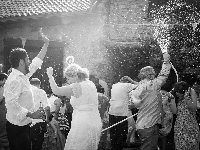 La boda de Kike y Patricia en Las Vilas Del Turbon, Huesca 59
