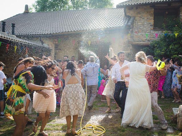 La boda de Kike y Patricia en Las Vilas Del Turbon, Huesca 60