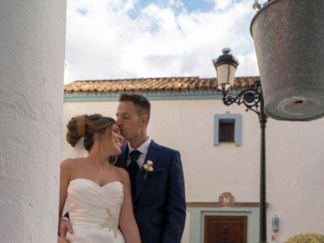 La boda de Alejandro y Jennifer en Marbella, Málaga 38