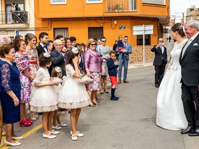 La boda de Javi y Gloria en Burriana, Castellón 25