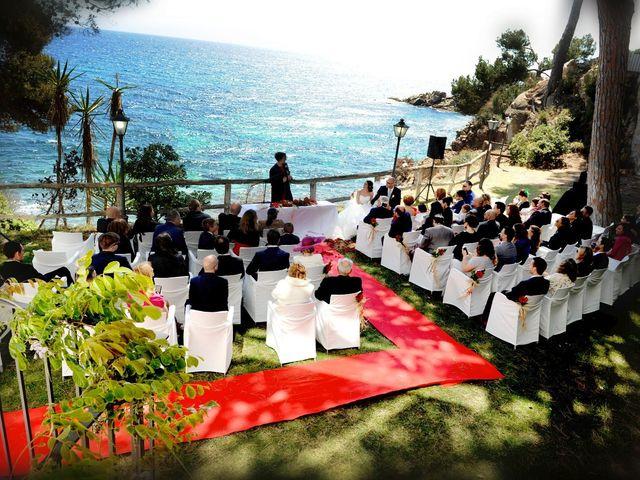 La boda de Alex y Rosa  en Platja D'aro, Girona 1