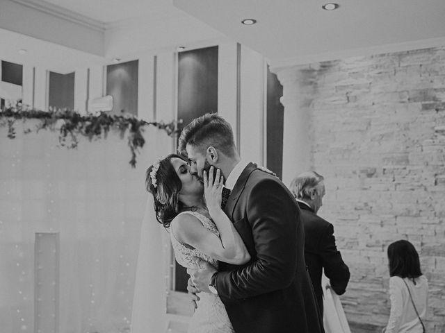 La boda de Marco y Elena en Bolaños De Calatrava, Ciudad Real 102