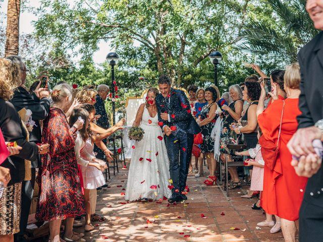 La boda de Mariano y Laura en Castelló/castellón De La Plana, Castellón 12