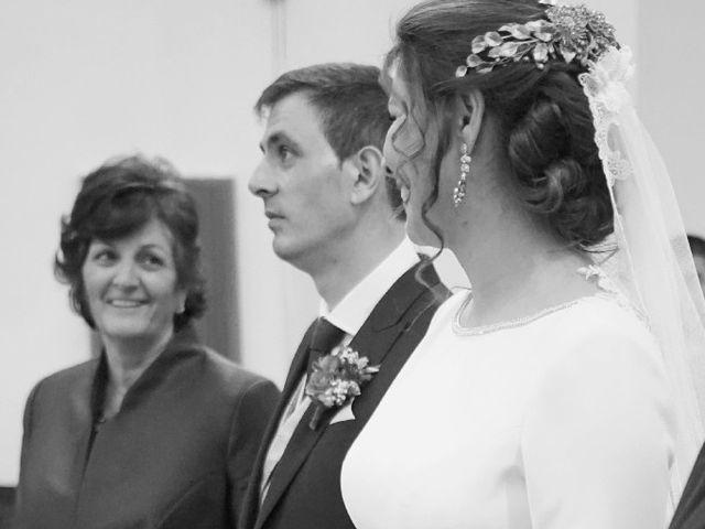 La boda de Pedro y Lis en Alcalá De Henares, Madrid 23