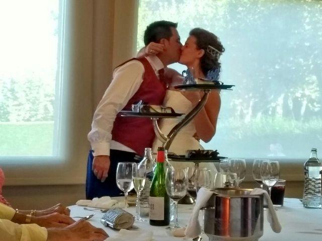La boda de Roberto  y Aitziber  en Sondika, Vizcaya 1