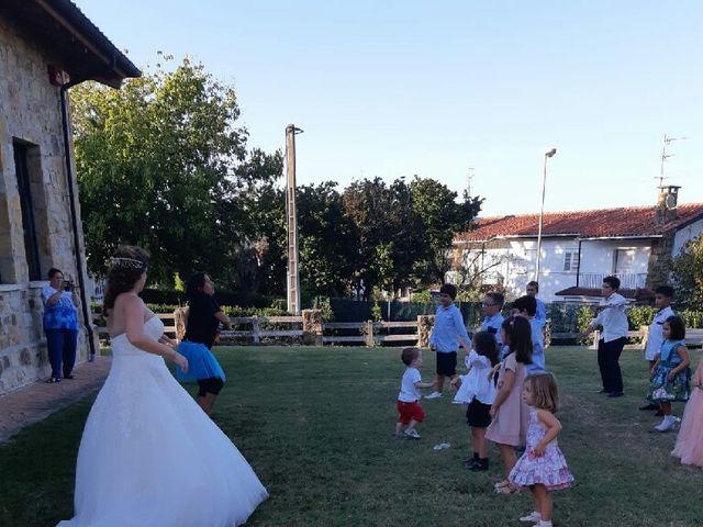 La boda de Roberto  y Aitziber  en Sondika, Vizcaya 6