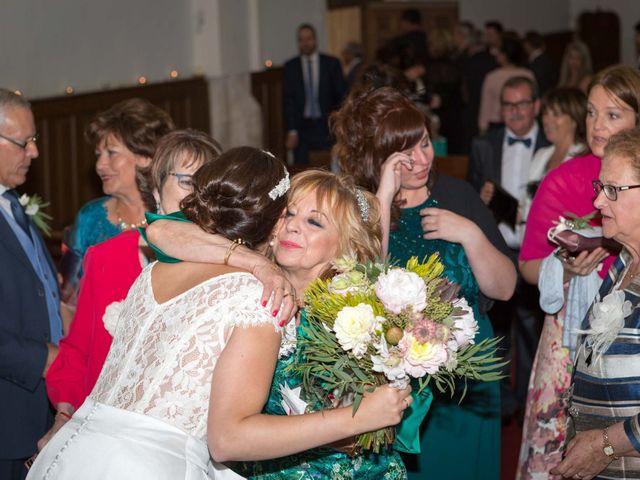 La boda de Josu y Paula en Vitoria-gasteiz, Álava 36