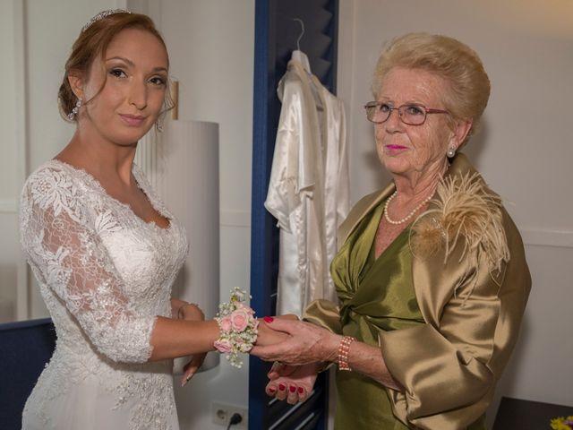 La boda de Daniel y Soraya en Estepona, Málaga 15