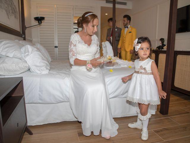 La boda de Daniel y Soraya en Estepona, Málaga 17