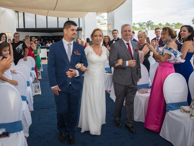 La boda de Daniel y Soraya en Estepona, Málaga 18