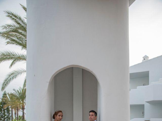 La boda de Daniel y Soraya en Estepona, Málaga 30