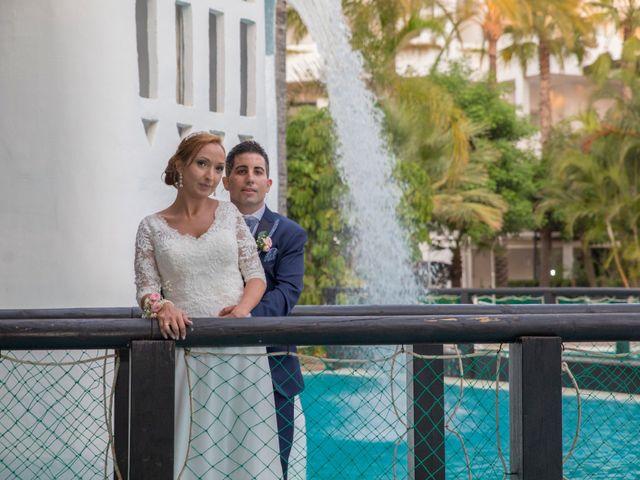 La boda de Daniel y Soraya en Estepona, Málaga 34