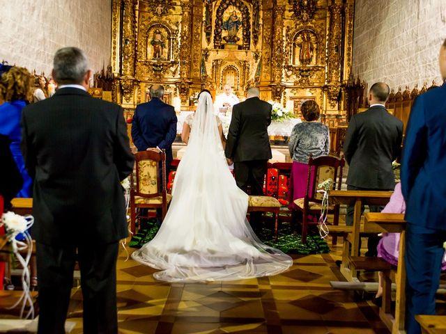 La boda de Raúl y Quintina en Burgos, Burgos 33