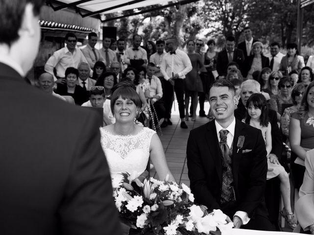 La boda de Andoni y Izaskun en Sondika, Vizcaya 14