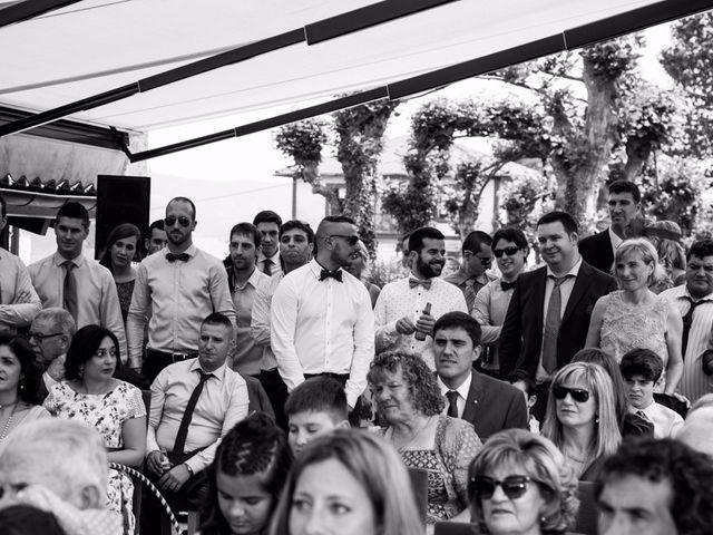 La boda de Andoni y Izaskun en Sondika, Vizcaya 15