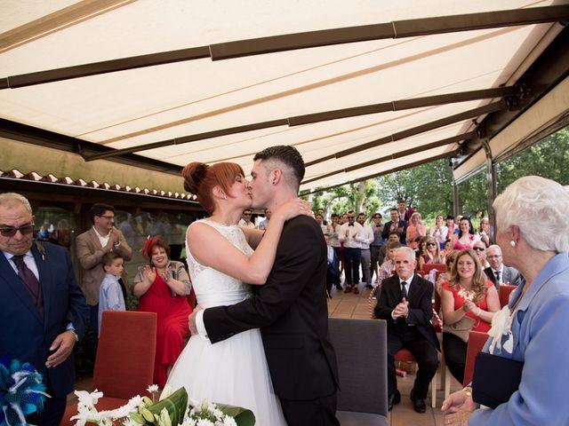 La boda de Andoni y Izaskun en Sondika, Vizcaya 20
