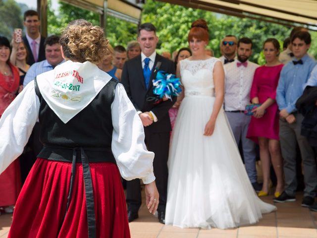 La boda de Andoni y Izaskun en Sondika, Vizcaya 22