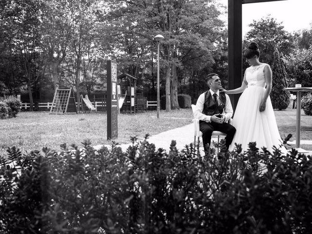 La boda de Andoni y Izaskun en Sondika, Vizcaya 28