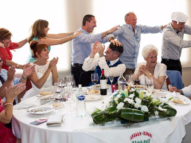 La boda de Andoni y Izaskun en Sondika, Vizcaya 30