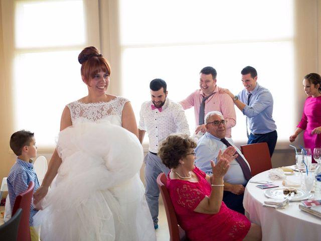La boda de Andoni y Izaskun en Sondika, Vizcaya 33