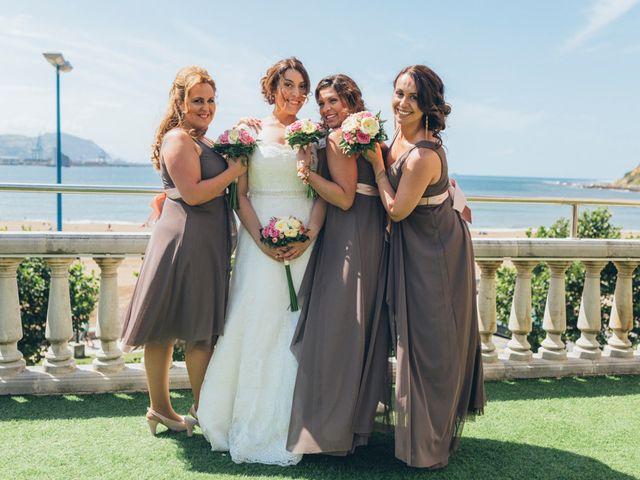 La boda de Javier y Ninoska en Getxo, Vizcaya 6