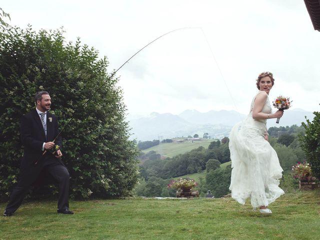 La boda de Javier y Carol en Cereceda (Villamayor), Asturias 37