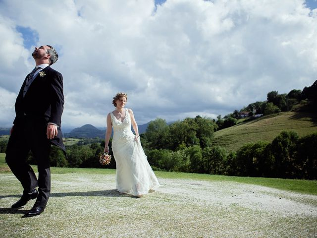 La boda de Javier y Carol en Cereceda (Villamayor), Asturias 31