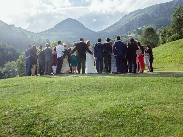 La boda de Javier y Carol en Cereceda (Villamayor), Asturias 48