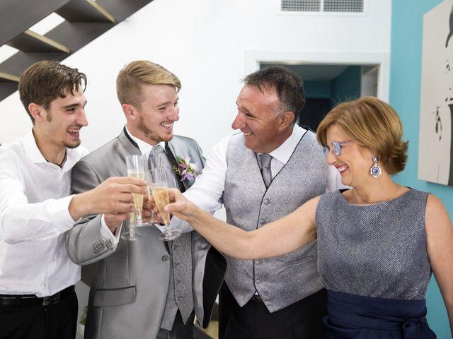 La boda de Aleix y Yolanda en L' Arboç, Tarragona 25