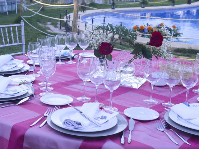 La boda de Antonio y Miriam en Argamasilla De Calatrava, Ciudad Real 13