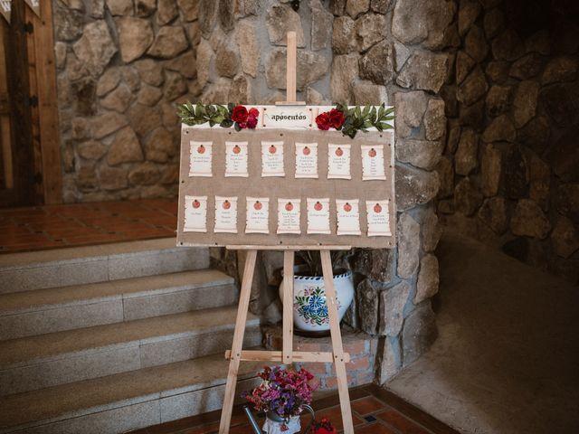 La boda de Javier y Lorena en Navaluenga, Ávila 23
