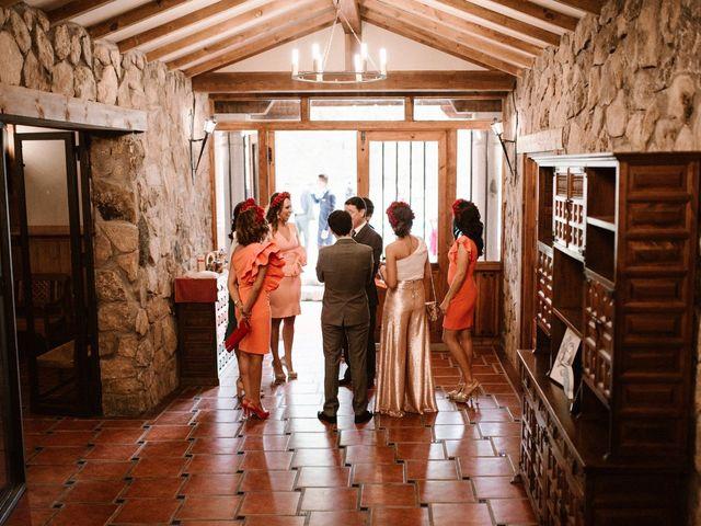 La boda de Javier y Lorena en Navaluenga, Ávila 96