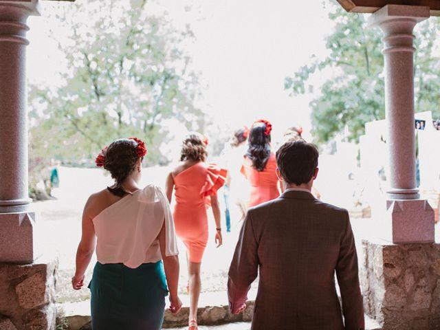 La boda de Javier y Lorena en Navaluenga, Ávila 107