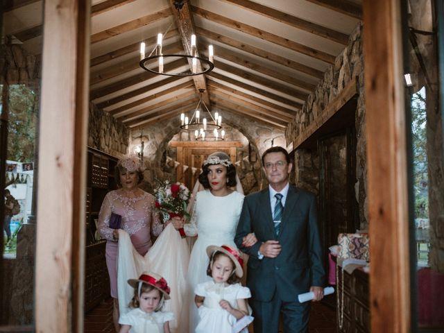 La boda de Javier y Lorena en Navaluenga, Ávila 109