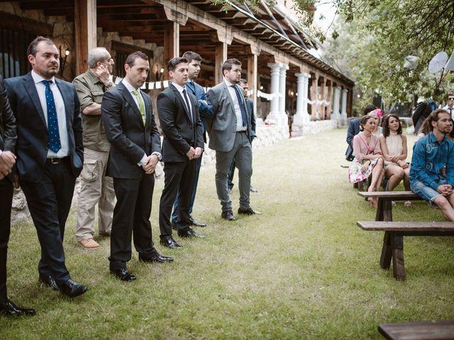 La boda de Javier y Lorena en Navaluenga, Ávila 122